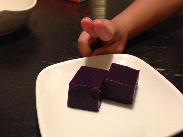 紫芋の芋ようかんの画像